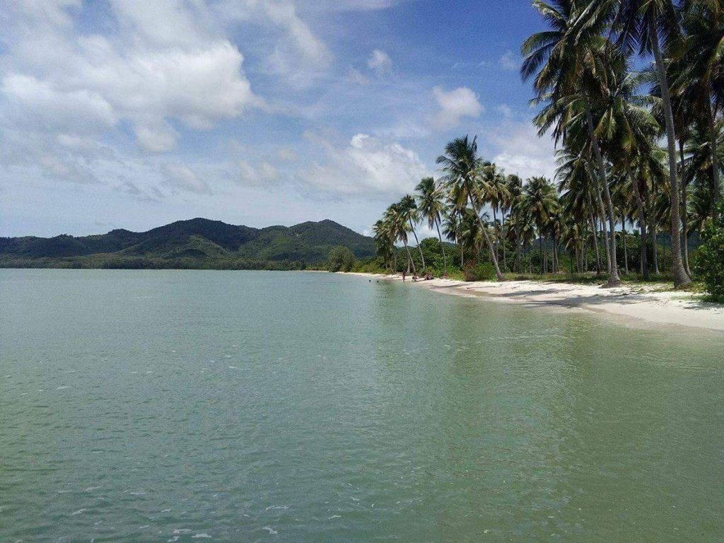private speedboat rental to koh yao island beach