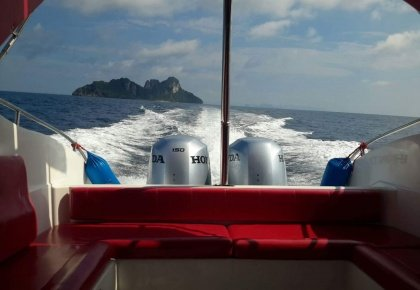 2 engine private speedboat on the way to phi phi islands bamboo island and maya beach