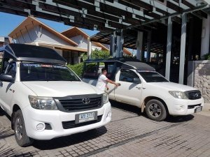 cars for transfers from hotel to the private boat